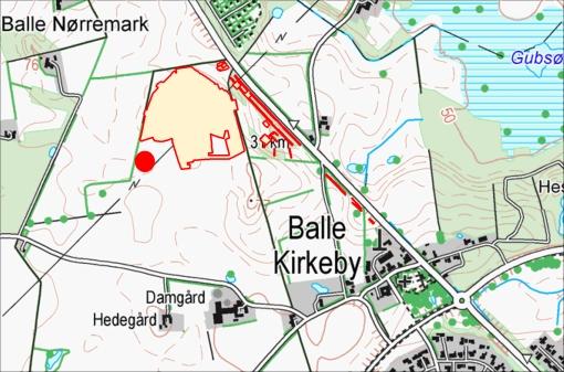 Området vi har undersøgt er her omkranset med rød linie. Det 3700 år gamle hus er at finde under den røde prik.