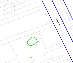 På ovenstående plan er den tidligere registrerede høj omkranset sort, den aktuelt fundne med grønt og med orange er klokkebægergruben vist.
